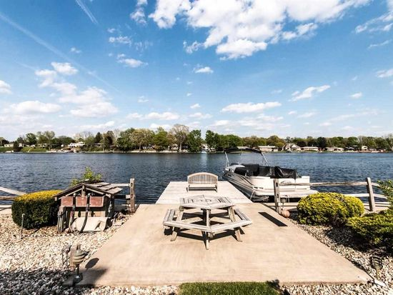 55956 Channel View Dr, Elkhart, IN 46516