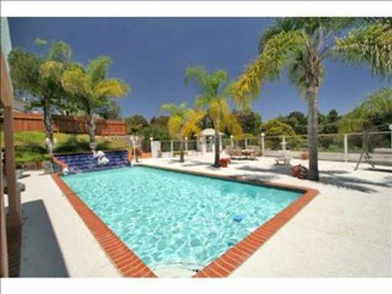7737 Moonridge Pl, La Jolla, CA 92037