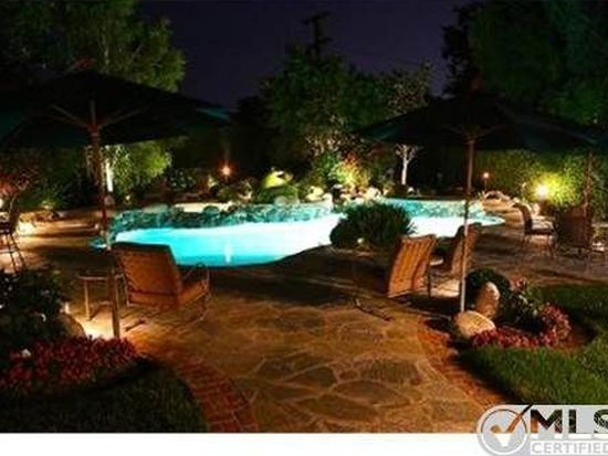 23133 Ostronic Dr, Woodland Hills, CA 91367