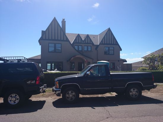 2239 W Viewmont Way W, Seattle, WA 98199