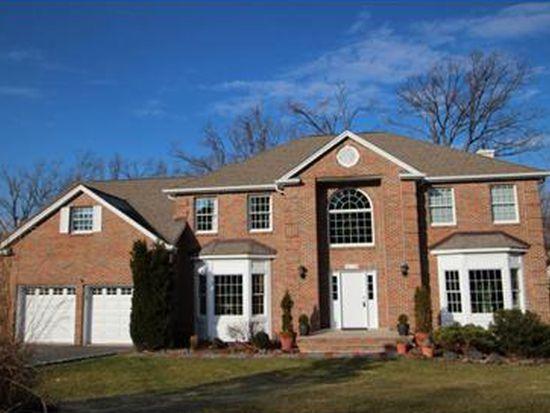 93 Grover Ln W, West Caldwell, NJ 07006