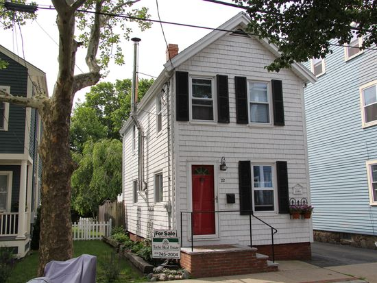 22 Pickman St, Salem, MA 01970