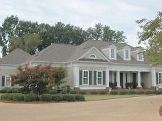 200 Turnberry Ln, Starkville, MS 39759
