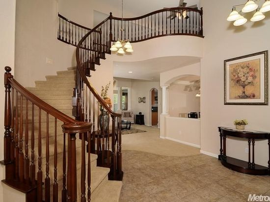 1004 Waterford Dr, West Sacramento, CA 95605