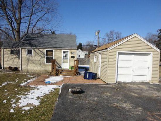 374 Marguerite St, Elgin, IL 60123