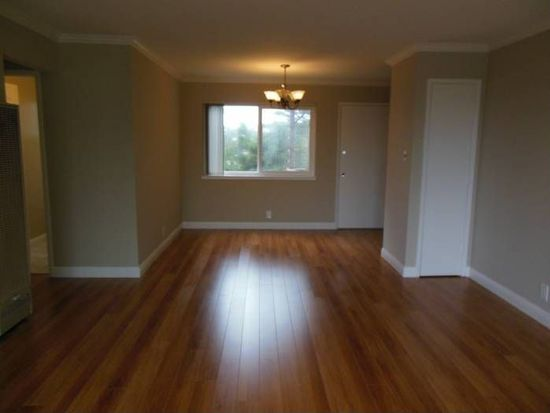 385 Talbot Ave APT 10, Pacifica, CA 94044