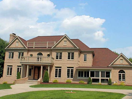 117 Windwood Heights Dr, Cranberry Twp, PA 16066