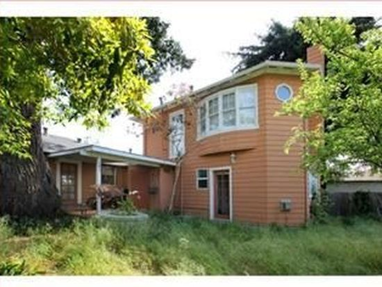137 Berkshire Ave, Santa Cruz, CA 95060