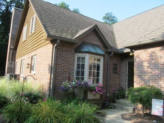 2011 Oldfields Circle South Dr, Indianapolis, IN 46228