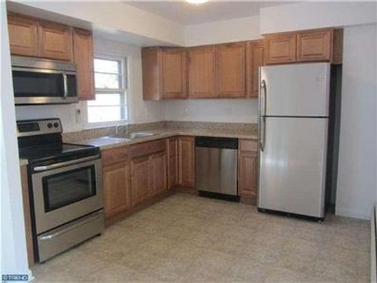 25 S Eastview Ave, Feasterville Trevose, PA 19053