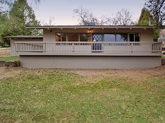 40451 Live Oak Dr, Oakhurst, CA 93644