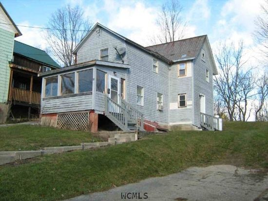 33 Queen St, Whitehall, NY 12887