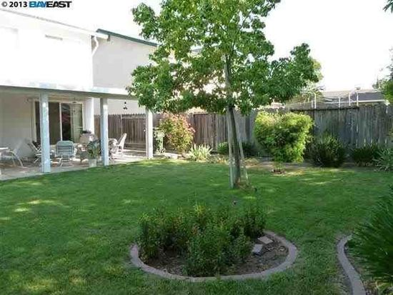 243 Lloyd St, Livermore, CA 94550