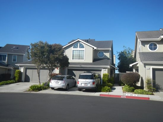 172 Treeview Dr, Daly City, CA 94014