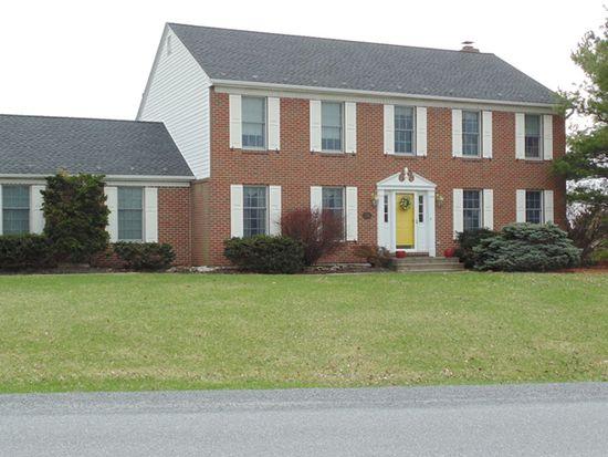 8488 Redhaven St, Fogelsville, PA 18051