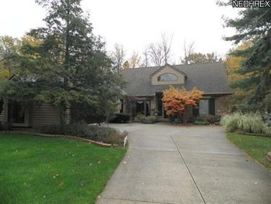 928 Pinewood View Rd, Northfield, OH 44067