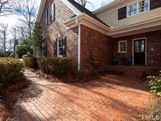 209 Birkhaven Dr, Cary, NC 27518