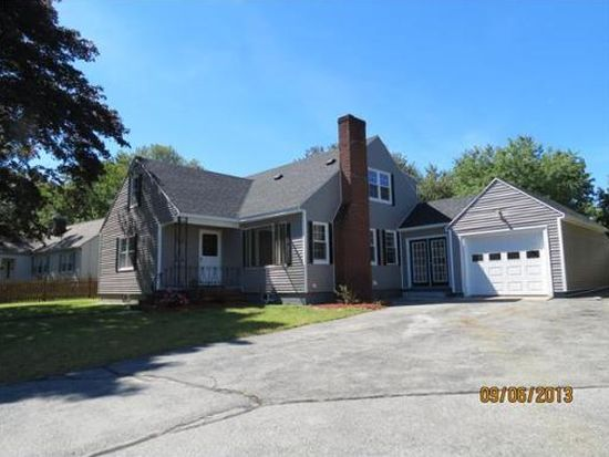 35 Chickering Rd, Lawrence, MA 01843