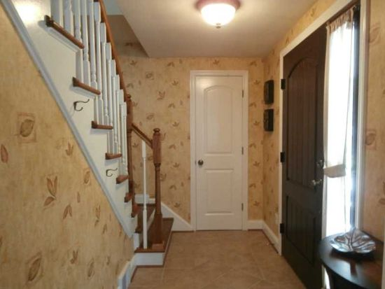 5119 S Passage Dr, Pittsburgh, PA 15236
