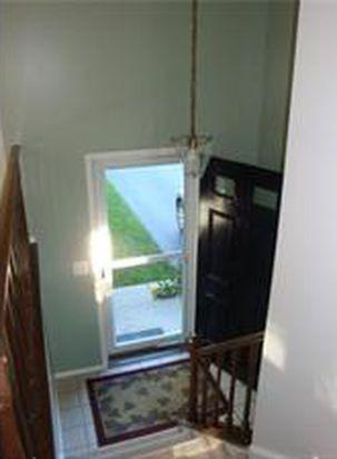 5300 Greenview Dr, Lockport, NY 14094