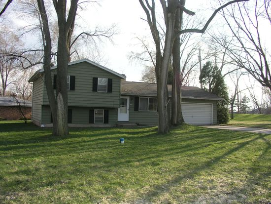 17980 Tollview Dr, South Bend, IN 46635