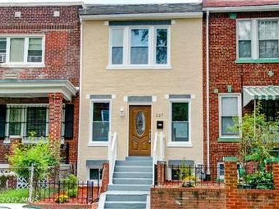 227 Cromwell Ter NE, Washington, DC 20002