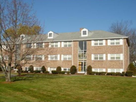 67 Fernview Ave APT 2, North Andover, MA 01845
