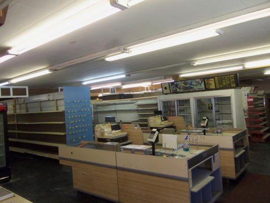 115 E Market St, Somonauk, IL 60552
