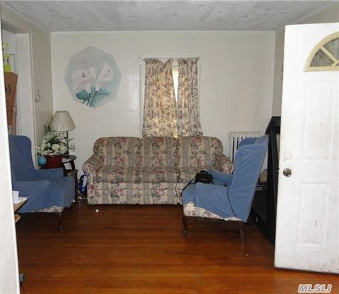 223 Porterfield Pl, Freeport, NY 11520