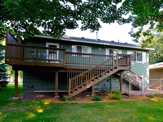 910 3rd Ave NW, Milaca, MN 56353