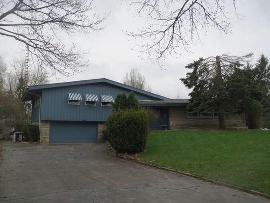 23649 W Mcclintock Rd, Channahon, IL 60410