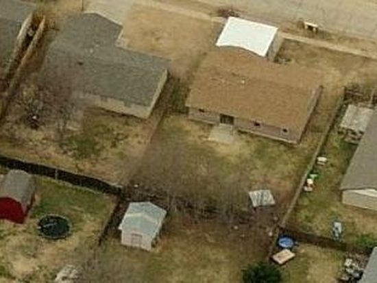 904 SW 15th St, Moore, OK 73160