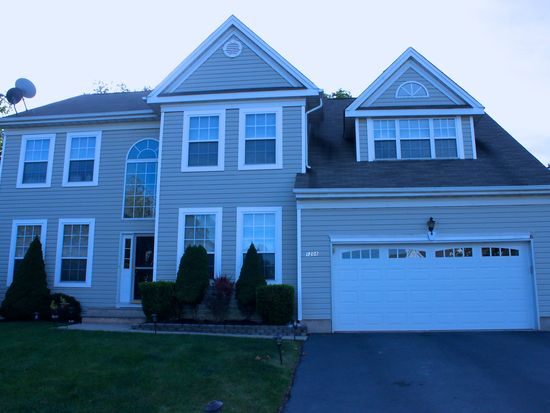 1208 Hogan Dr, South Plainfield, NJ 07080
