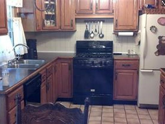 2866 San Pedro Ct, Youngstown, OH 44511
