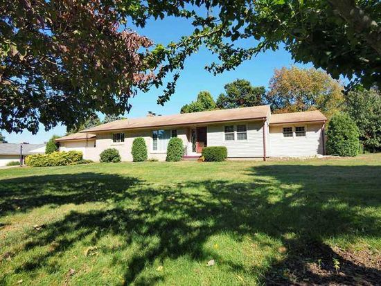 1307 Central Dr, Erie, PA 16505