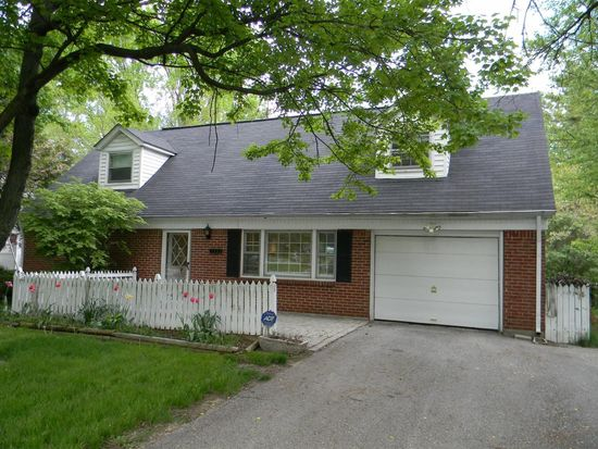 7353 Harcourt Rd, Indianapolis, IN 46260