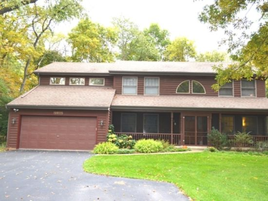 29W025 Forest Ln, Warrenville, IL 60555