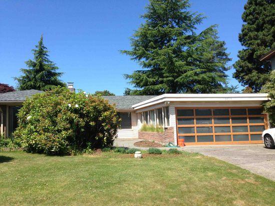 8015 Crest Dr NE, Seattle, WA 98115