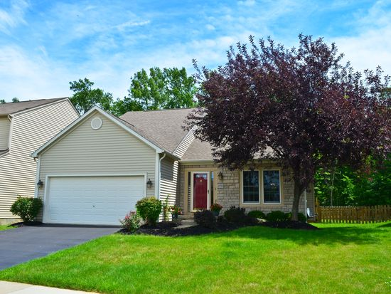 8702 Woodwind Dr, Lewis Center, OH 43035