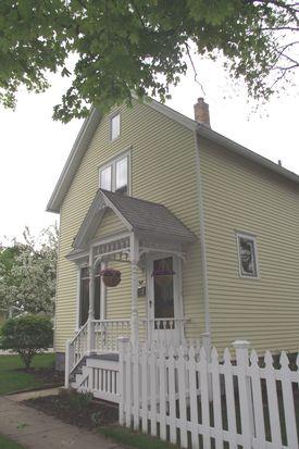 615 Adams Ave, Saint Charles, IL 60174