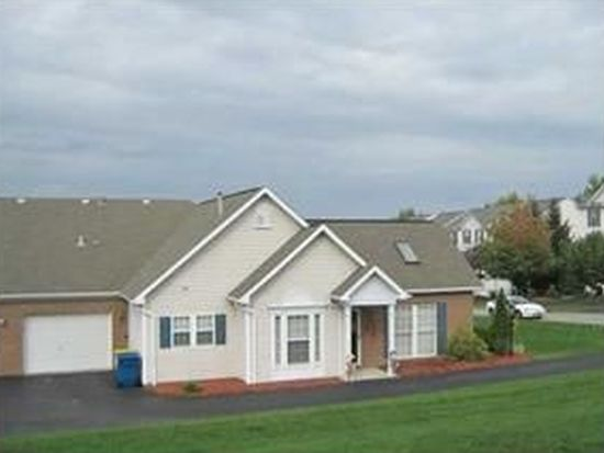 75 Links Dr, New Castle, PA 16101