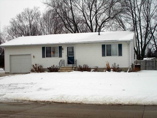 905 9th Ave SW, Independence, IA 50644