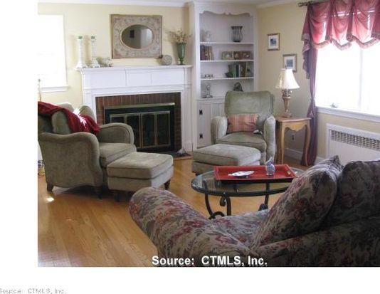 42 Greenhurst Rd, West Hartford, CT 06107