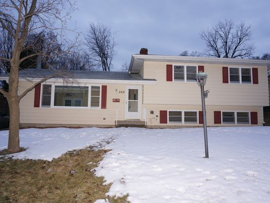 263 W Middle St, South Elgin, IL 60177