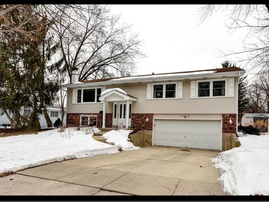6545 Midhurst Rd, Downers Grove, IL 60516