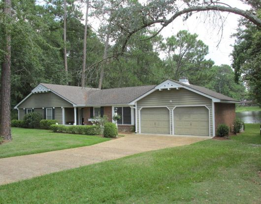 8 Mimosa Ave, Moultrie, GA 31768