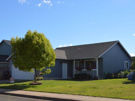 567 Blue Jay Loop, Creswell, OR 97426