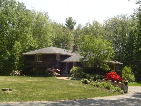 12 Oak Dr, Hampton Falls, NH 03844