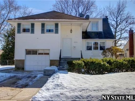 2474 Hysler St, East Meadow, NY 11554