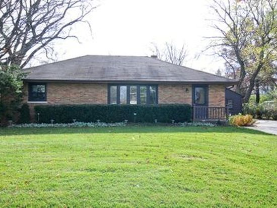 155 Brookhill Rd, Libertyville, IL 60048